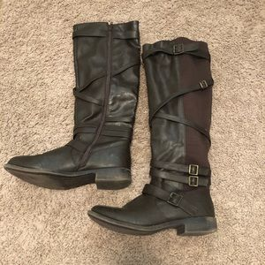 Shoes - Comfy brown boots